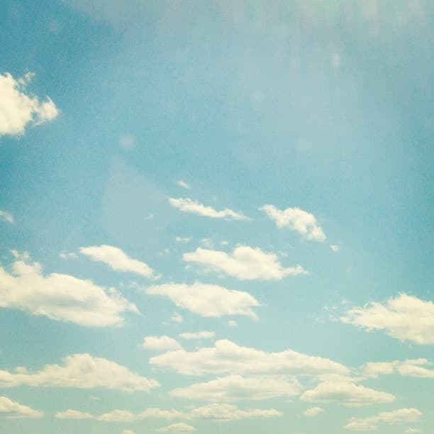 Picture of a partly cloudy blue sky